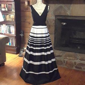 Xscape formal dress